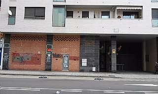 Alquiler Local Comercial en Calle miguel servet, 85. Enfrente de centro comercial