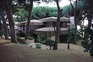 Alquiler Casa en Carrer empord�, 7. Casa en urbanizacion matas