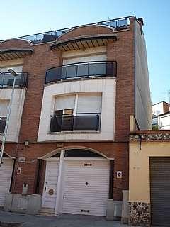 Casa pareada en Carrer sant jaume, 27. Chalet adosado en el centro del pueblo