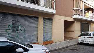 Alquiler Local Comercial en Carrer rossello, 35. Local comercial en font de l