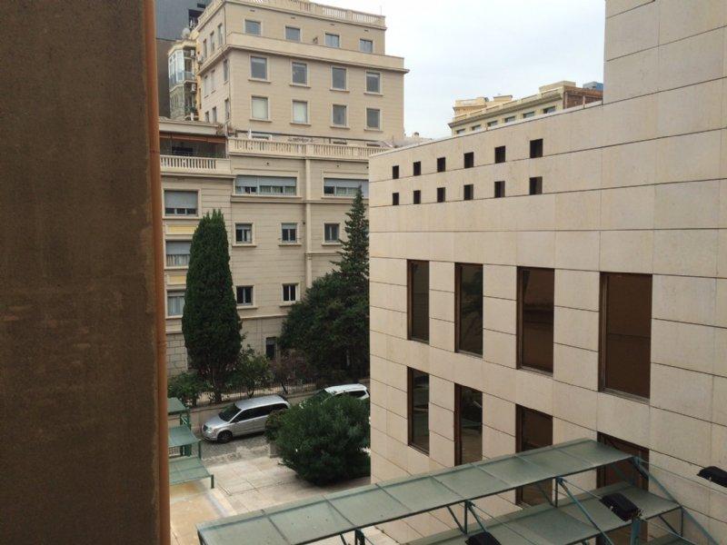 Foto vistes terrassa. Alquiler piso en Carrer Roger De Lluria al costat de passeig de gr�cia en Barcelona