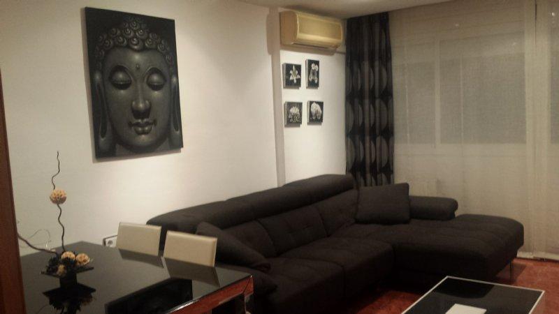 Sala De Estar Familiar ~ Foto comedor  sala de estar Piso en Camps Blancs familiar con estilo