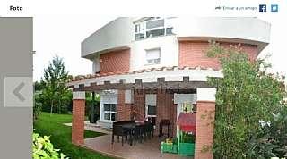Casa pareada en Carrer cigonya (de la), 8. Magnifico chalet pareado 260 m2, 5 habitaciones