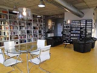 Oficina en Pasaje adolf comerón, s/n. Oficina de diseño tranquila y silenciosa de 280m2