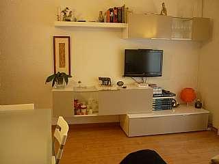 Piso en Carrer julia centelles, s/n. Pis de 3 habitacions reformat i ben comunicat