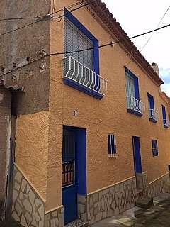 Piso en Calle la mina, s/n. Se vende o alquila casa en daroca