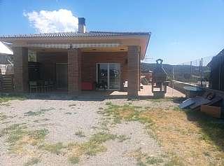 Casa en Carrer salvador espriu, 14. Casa a los cuatro vientos con garaje y vivienda ar