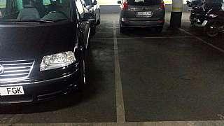 Aparcament cotxe a Carrer jose agustin goytisolo, 25. Parking eixample