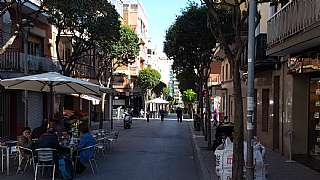 Alquiler Piso en Carrer perez galdos, 40. Zona peatonal. amueblado con electrodom�sticos
