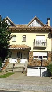Casa adosada en De la vall, 50. Casa adosada muy acogedora !!!!