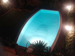 Alquiler Casa adosada en Carrer sant miquel, 114. Casa pareada, de 4 plantas,jard�n, piscina privada