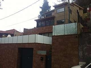Alquiler Casa en Carrer eduard toldra, 10. Preciosa torre unifamiliar en Cervelló 300m2