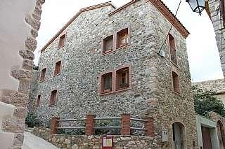 Casa adosada en Carrer portelles, 4. Casa de pueblo rustica
