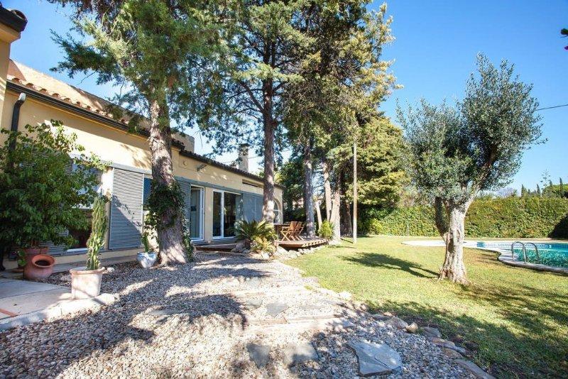Alquiler casa por en camino palmeras amplia villa con jard n en jerez en jerez de la - Alquiler casa jerez ...