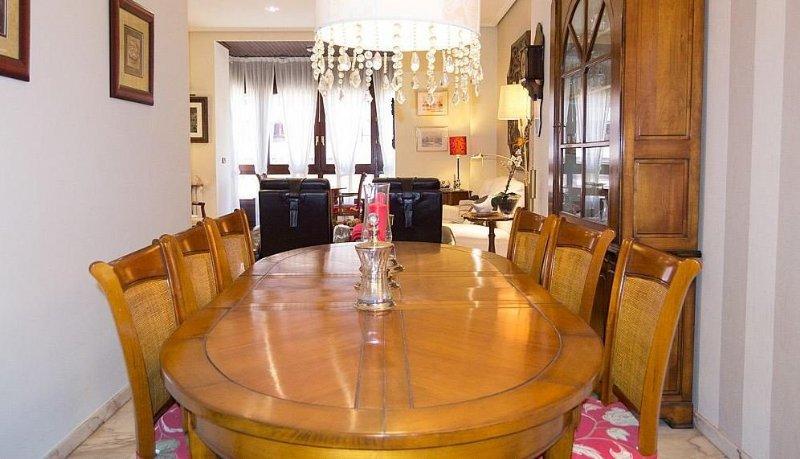 Alquiler piso por 700 en paseo de sagasta vivienda de alto standing en el centro en zaragoza - Pisos alquiler zaragoza centro ...