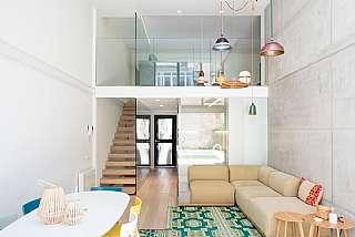 Alquiler Casa adosada en Carrer banyoles, 1. Espectacular casa con piscina en vila de gracia
