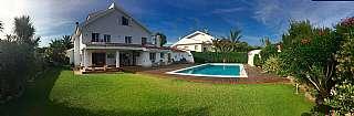 Casa en Carrer pere pau sagarra, 15. Superb casa con piscina en  vinyet-terramar