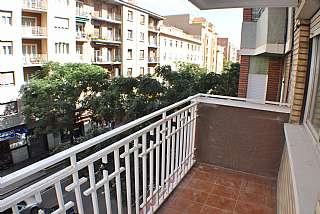 Alquiler Piso en Calle corona de aragon, 21. Piso luminoso y c�modo.