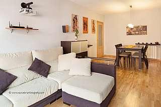 Piso en Carrer calderon de la barca, 6. Bonito piso seminuevo en zona mercadona (maristas)