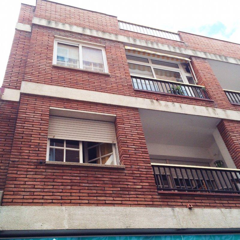 Alquiler piso por 460 en carrer horts bonito en el centro for Pisos alquiler lloret de mar