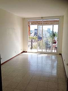 Piso en Gran via de les corts catalanes, 1002. Bonito piso en gran via/lovely flat in bcn