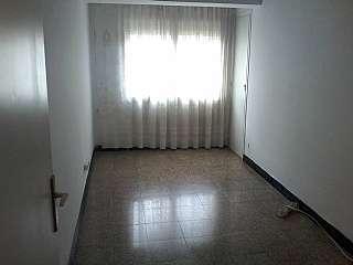 Piso en Carrer general manso, s/n. Piso de 4 habitaciones en finca señorial