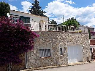 Alquiler Casa en Urbanitzaci� playa brava, 34. Espectacular casa vistas al mar, gran terraza.
