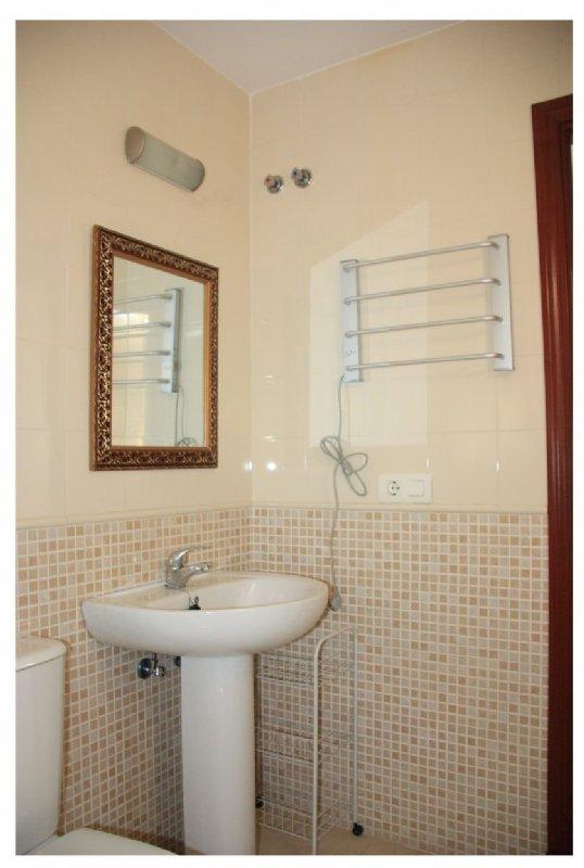 Alquiler piso por 600 en calle portobelo av de hytasa for Alquiler piso sevilla particular amueblado