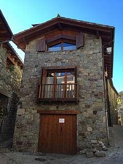 Casa en Carrer can jumit, s/n. Urge vender casa rústica con interiores de diseño
