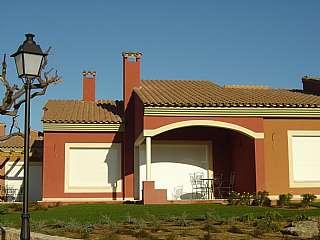 Casa adosada en Club de golf bonmont, 1. Bonita casa pareada diseño amueblada en club golf