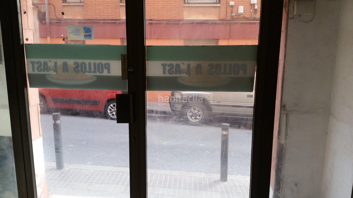 Piso por en carrer garigliano local posibilidad de - Local vivienda barcelona ...