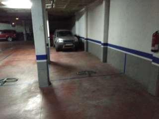 Lloguer Aparcament cotxe a Carrer miquel marti pol, 5. Plaça de pàrquing el costar de la uVic