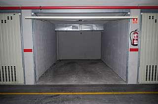Lloguer Aparcament cotxe a C/ macià mallol i bosch, 3. Plaza parking/cochera cerrada tipo box