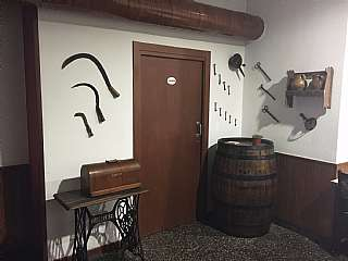 Restaurante en Carrer les torres, 46. Bodega restaurante tradicional