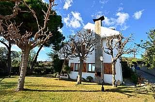 Casa en Avda de las palmeras, 18. Casa a cuatro vientos en urb. mas ram