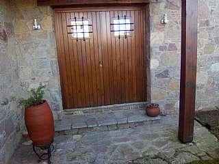 Casa  Avda. de montseny / viladrau / girona,. Casa con excelente ubicación.