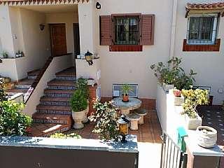 Casa adosada en Carrer garrotxa, 7. Casa adosada con jardín y sauna