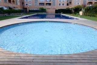 Piso en Eusebio estada,. Se vende piso céntrico en urbanización con piscina