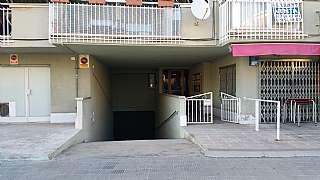 Aparcament cotxe a Avinguda parlament de catalunya, sn. Parking a prop de comarruga 80