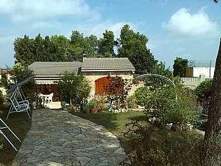 Villa in Carrer països catalans, 277. Excepcional!!  familia que valore calidad de vida