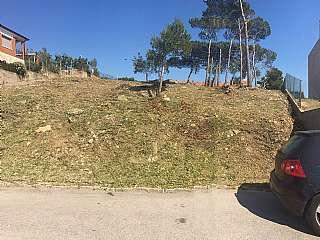 Terreno residencial en Carrer madrid, 118. Parcela semiplana y vistas, en Vallirana park
