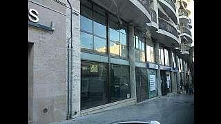 Local Comercial en Avinguda constitucio (de la), 18. Gran local comercial unico en la zona