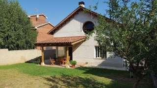 Casa en Carrer pamplona, 62. Casa a mirasol. bonica, amplia i familiar.