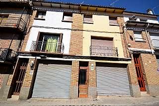 Casa adosada en De joan traveria, 9. Casa en venta en el centro de Vic