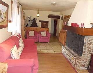 Casa en Camp del roc, 17. Casa en porte-puymorens con cinco apartamentos
