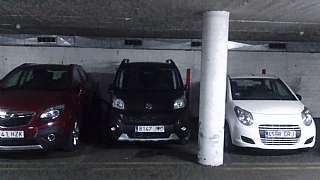 Parking coche en Fontanills, 11. Plaza para coche mediano en calle muy céntrica