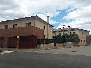 Casa pareada en Carrer castello (de), 4. Casa pareada esquinera en Vila-sacra