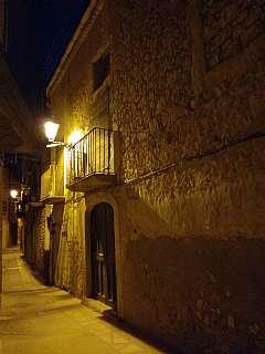 Casa adosada en Colomer, 13. Casa de pueblo de 212 m2 + bodega de 30 m2 + solar