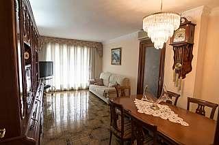 Piso en Carrer pintor mestre i castellvi, sn. Amplio piso de cuatro habitaciones