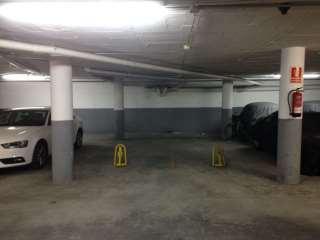 Lloguer Aparcament cotxe a Avinguda barcelona, 17. Perfecto! 7,45 de largo x 2,30 de ancho..